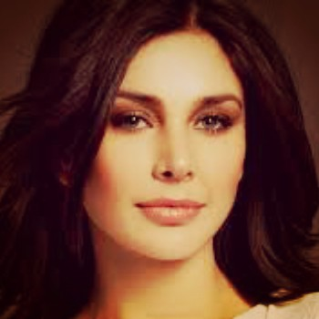 Lisa Ray Celebrity Speaker - Simply Life India Speakers Bureau